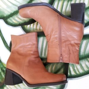 Cloudwalker Tracket Caramel Ankle Block Heel Boots
